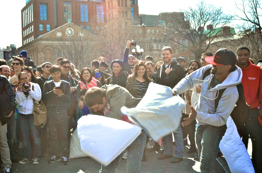pillowfight (1)