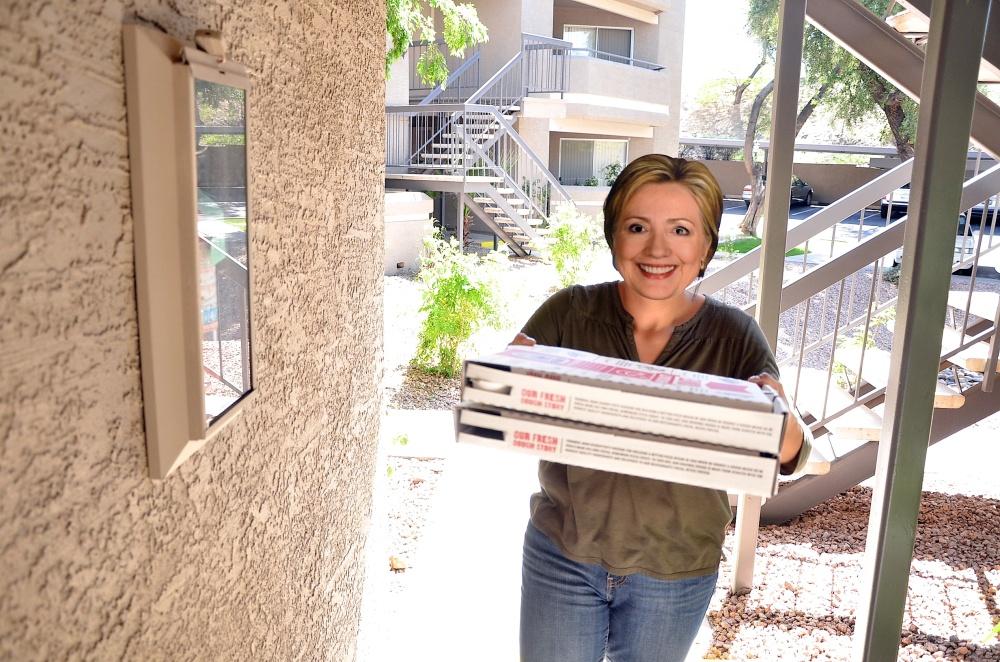 Hillary Pizza 066